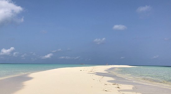 Kuredu Island Resort & Spa: sand bank near to water villas. Best place to see the sunset and most beautiful part of the island