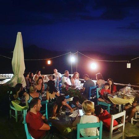 Dimitri Ada Evi & Restaurant: Guzel bir aksam daha