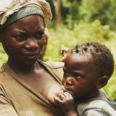 Meet people of Uganda with different cultures, for it is comprised of variety of ethnic groups. Know more by aclick viapoafricansafaris.com