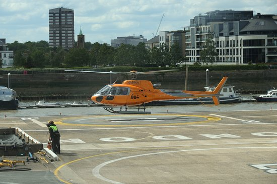 Central London Helicopter Flight- Shared flight: Mit diesem Heli macht man den Rundflug.