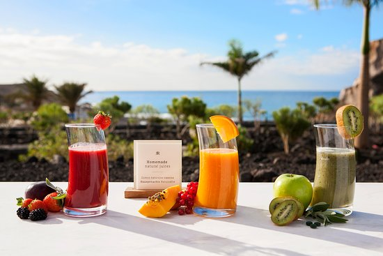 Royal Hideaway Corales Suites: Olivia - buffet breakfast