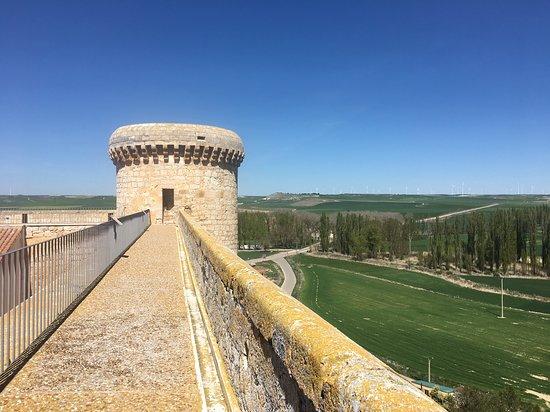Torrelobaton, Spanyolország: Almenas