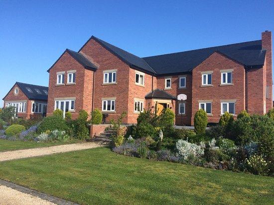 Mawdesley, UK: getlstd_property_photo