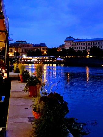 Hergetova Cihelna: Blick von der Terrasse
