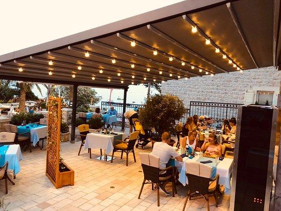 Restaurant MUN: 4