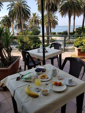 Grand Hotel Mediterranee, Hotels in Genua