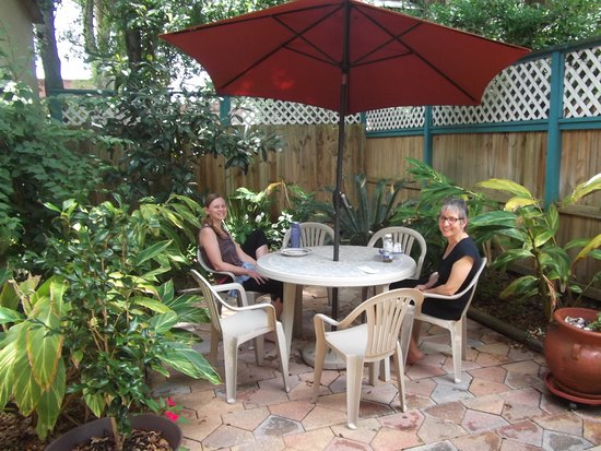 Сент-Огустин, Флорида: Enjoy our South-East Courtyard