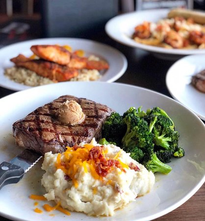 All the flavor of the best steakhouses, minus the fuss. Delicious steaks, cooked and served the way steaks deserve. And our Bacon Cheddar Mashed Potatoes are the perfect compliment.