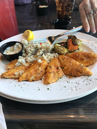 The Hook Lakeside Grill: Lake Perch dinner.