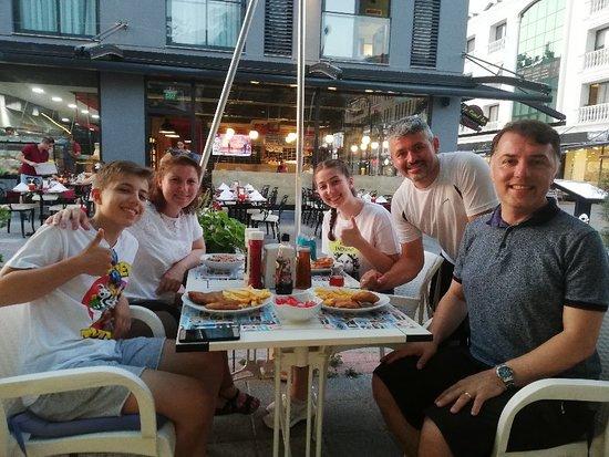 Ailem Cafe Restaurant: Ailem Kafe Restaurant