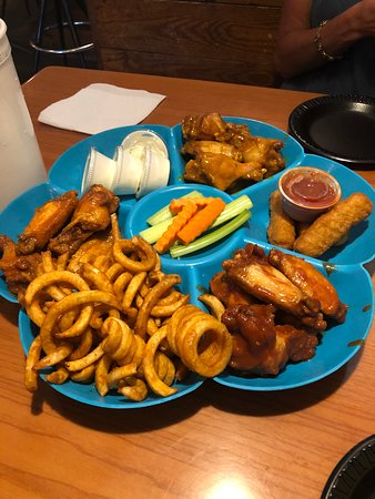 Fat Jack's Restaurant: Chicken Wing Plater