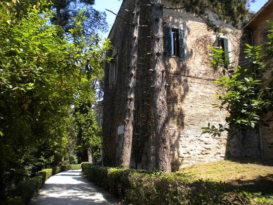 Recanati, Itália: Passeggiata culturale nel Colle