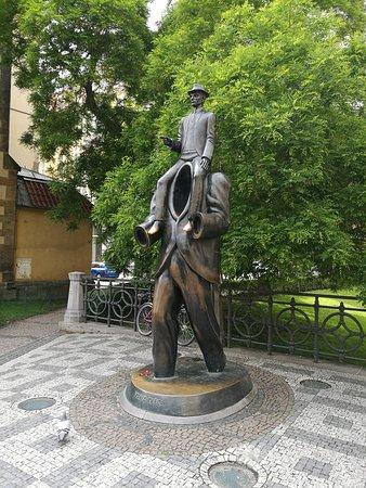 Statue of Franz Kafka: statua dedicata a  kafka