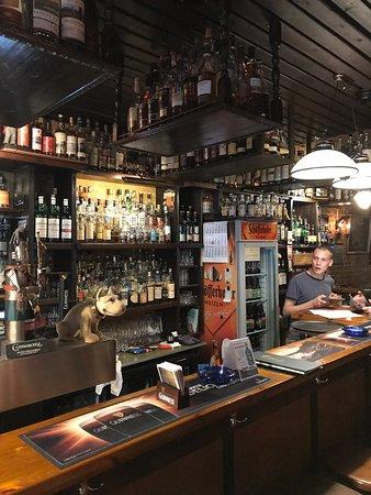 OFFSIDE Pub & Whisky Bar
