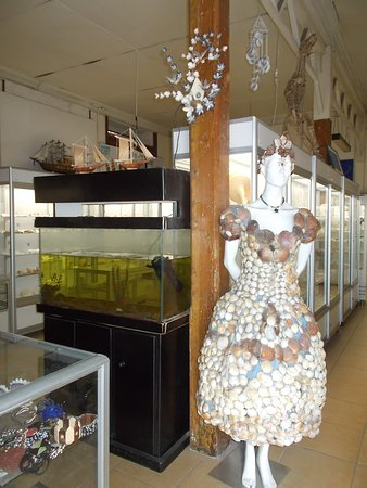 """Sea Museum: A lovely figure of a maiden """"dressed in seashells"""""""