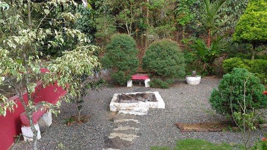 Philip Mary Farm Stay: Camp fire area