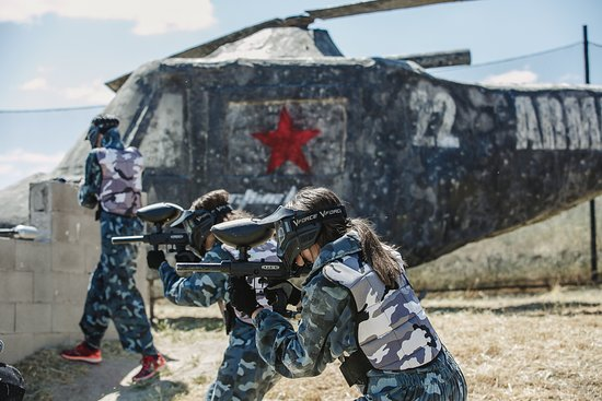 Action Live Paintball Madrid: Paintball equipo rojo desde el helicoptero
