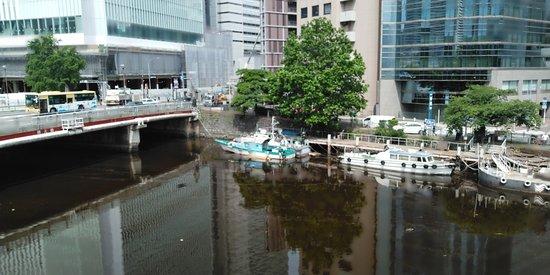 とりたてて風情のある橋って感じではなかったですが、素敵な横浜ベイエリアの玄関口のような橋です。
