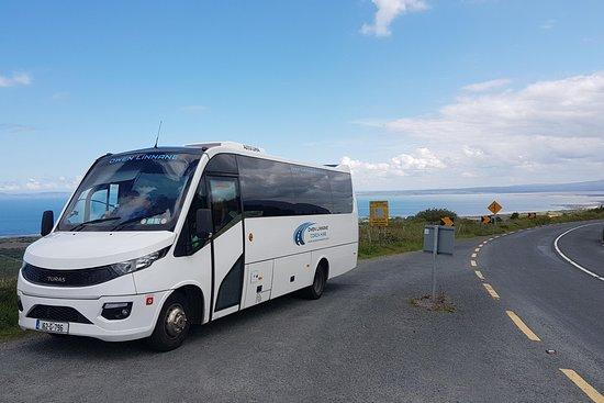bustoursireland.com