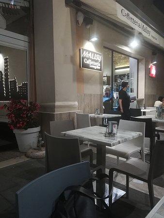 Malisy: entrata della caffetteria