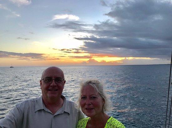 Sunset Dinner Cruise Off the Na Pali Coast: sunset