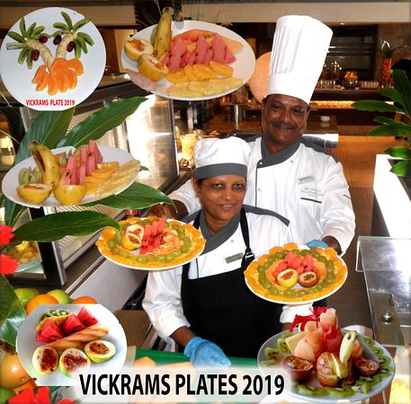 Vickram - a master with the knife and the imagination presents us with a stunning arrangement of fruit every day assisted in this photo by Reynooka