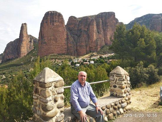 Los Mallos de Riglos, a media hora de Huesca