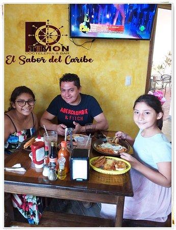 TIMON COCTELERIA BAR en donde encontraras el verdadero sabor del caribe. Estamos ubicados en la 11av entre 25 & 30 #533 aun costado del Laurel en la Isla de Cozumel, Quintana Roo Mexico.