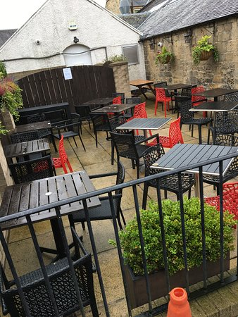 The Bourtree: Loads more outdoor seating for the summer 👍