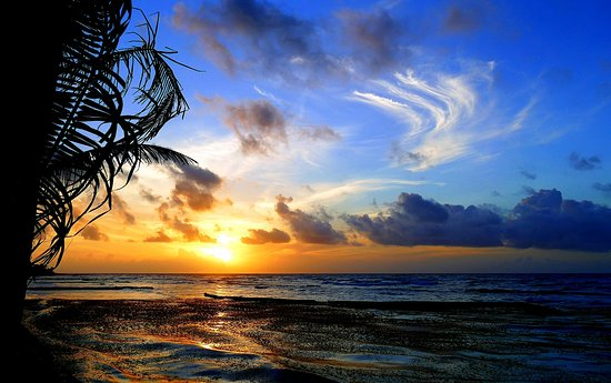 Hidden Beach Resort: Magnificent sunrises