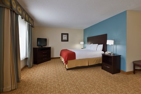 Holiday Inn Express Winston-Salem: Suite