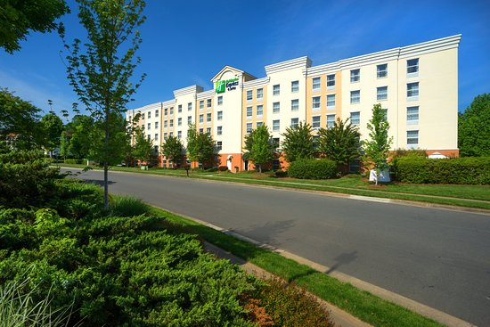 Holiday Inn Express Hotel & Suites Huntersville-Birkdale
