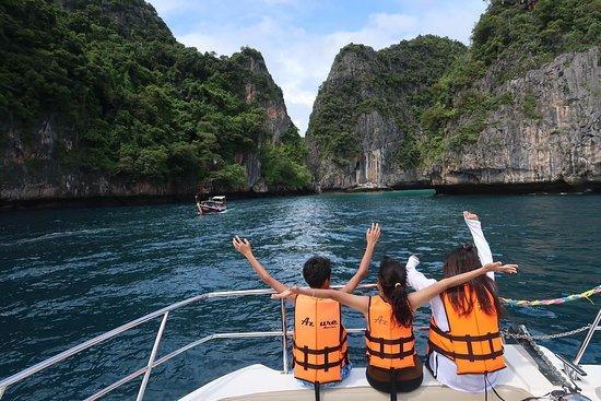Discover Catamaran