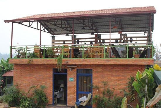 Umusambi B&B: réception et terrasse panoramique (utilisée pour les petits déjeuner, bar