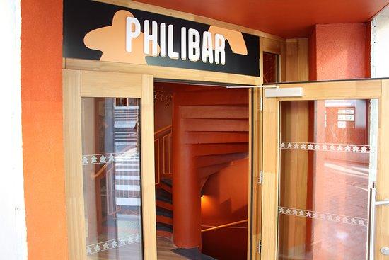 Entrée du Philibar et son enseigne