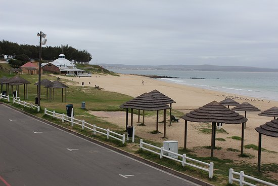 The view of the beach from Santos Express.
