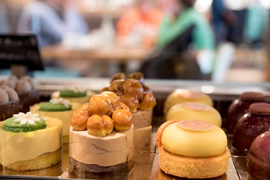 Feinste Dessertsdes preisgekrönten Patissier Andreas Acherer