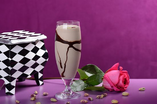 Fanajeen Cafe: Chocolate Pistachio Smoothie