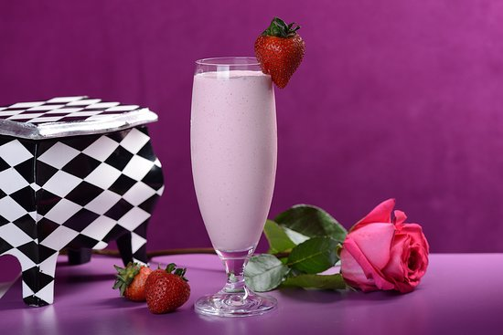 Fanajeen Cafe: Strawberry Banana Smoothie