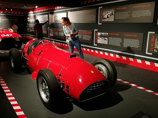 Museo Ferrari: красная стрела