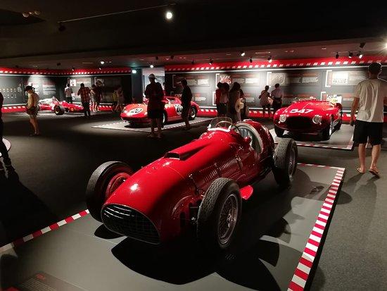 Museo Ferrari: старички