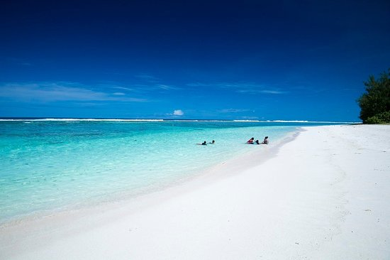 Nord-Marianene, Mariana Islands: Teteto Beach, Rota. Photo by Junji Takasago