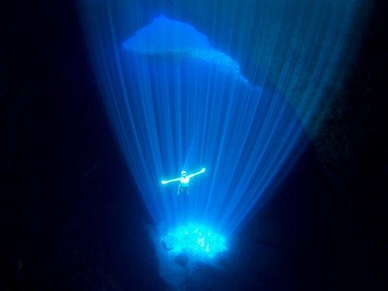 Nord-Marianene, Mariana Islands: Rota Hole, Rota. Photo by Junji Takasago