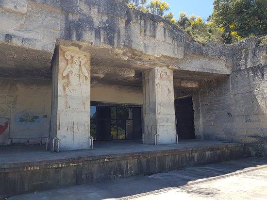 Les Caves Cathédrales du Mas Théo
