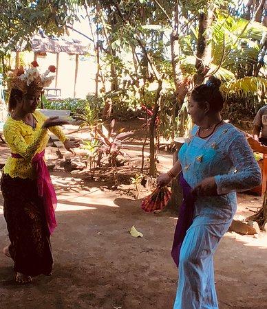 Five Pillar Experiences: learning Balinese dance