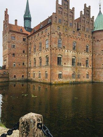 Egeskov Castle: van alle markten thuis! Veel meer dan zomaar een kasteel !