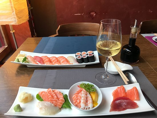 Cómo siempre un placer venir aquí a cenar el menú degustación!