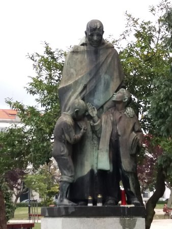 Monumento ao Padre Americo