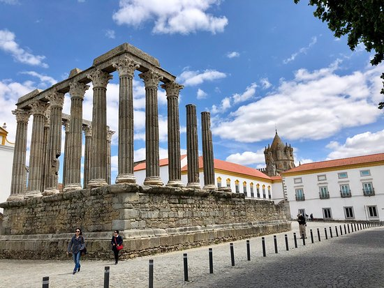 Templo Romano de Evora (Templo de Diana)
