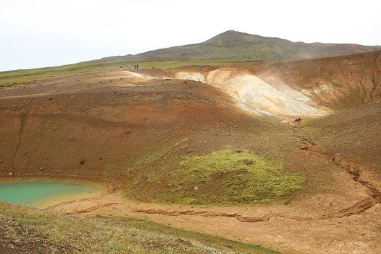 Viti Crater: Smaller crater on the left, sulfurous geothermal activity on the right